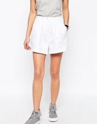Тканые шорты в стиле casual с оборкой на талии ASOS - Слоновая кость