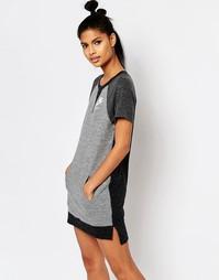 Платье-футболка в стиле колор блок Nike - Серый
