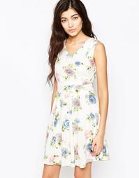 Короткое приталенное платье с цветочным принтом Iska - Белый