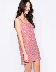 Цельнокройное платье без рукавов с вышивкой Glamorous - Пыльно-розовый