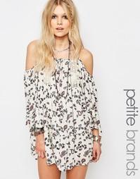 Платье с открытыми плечами и принтом пейсли Glamorous Petite - Мульти