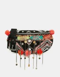 Сумка-кошелек на пояс с ацтекской отделкой помпонами и цепочкой ASOS