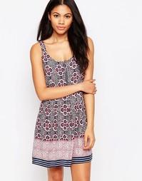Короткое приталенное платье с принтом Brave Soul - Розовый
