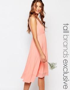 Платье для выпускного с декольте и открытой спиной True Decadence Tall