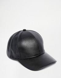 Черная бейсболка из искусственной кожи ASOS - Черный