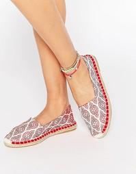 Туфли-эспадрильи с принтом Vero Moda - Красный узор