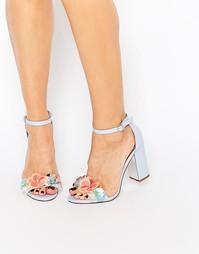Сандалии на каблуке с цветами 3D Miss KG Emmie - Сиреневый