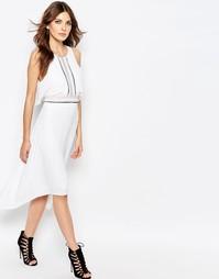 Асимметричное платье миди с оборками спереди BCBGMaxAzria