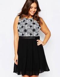 Короткое приталенное платье размера плюс с вышивкой на лифе Praslin
