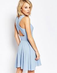 Короткое приталенное платье с перекрестными лямками на спине Love