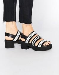 Черные кожаные сандалии с отделкой цепочками Eeight Suri - Черный