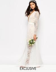 Свадебное кружевное платье макси с разрезом Fame and Partners