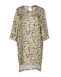 Короткое платье Adele Fado