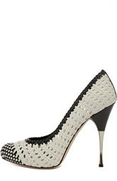 Туфли из кожи с мелким плетением Alexander McQueen