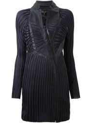 плиссированное платье с длинными рукавами Iris Van Herpen