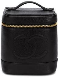 косметичка в форме цилиндра Chanel Vintage