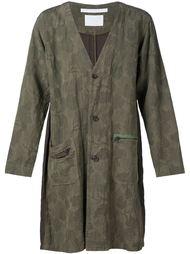 камуфляжное пальто с цветочным принтом White Mountaineering
