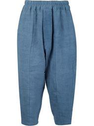 укороченные брюки с заниженным шаговым швом By Walid