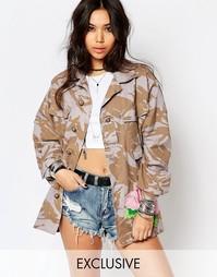Камуфляжная куртка в стиле милитари с большой вышитой розой Reclaimed