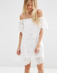 Летнее платье с открытыми плечами и вышивкой ASOS Premium