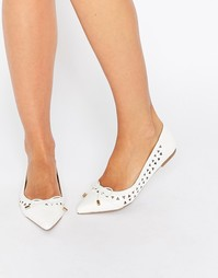 Туфли на плоской подошве с лазерными вырезами Miss KG - Белый