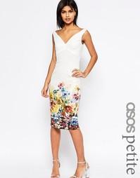 Платье-футляр с открытыми плечами и принтом ASOS PETITE - Мульти