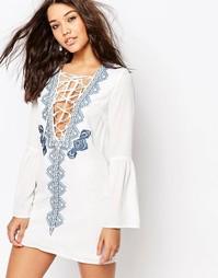 Платье с вышивкой и шнуровкой Missguided - Белый