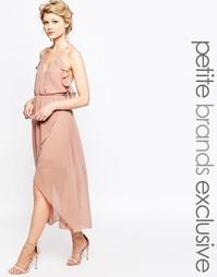 Платье на тонких бретельках с запахом и оборками True Decadence Petite