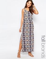 Платье макси с глубоким вырезом на спинке и принтом Vero Moda Tall