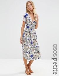 Платье миди с запахом, складками и цветочным принтом ASOS PETITE