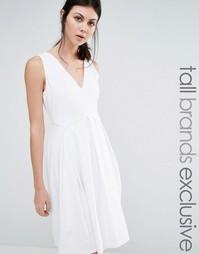 Приталенное платье без рукавов Y.A.S Tall - Белый