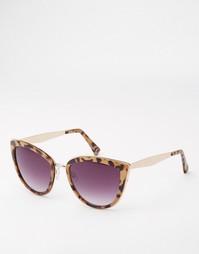 Солнцезащитные очки кошачий глаз с металлическими дужками ASOS
