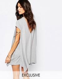 Свободное платье-футболка с открытой спинкой Rokoko - Серый меланж