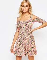 Платье с открытыми плечами Madam Rage - Цветочный