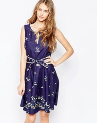 Платье с поясом Trollied Dolly - Темно-синий с шезлонгами