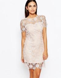 Цельнокройное ажурное платье Club L - Nude pink
