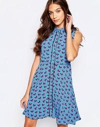 Короткое приталенное платье с принтом птиц Yumi - Синий
