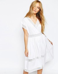 Платье миди с запахом и кружевными вставками ASOS - Белый