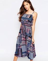 Платье миди на бретельках в стиле пэчворк Yumi - Мульти