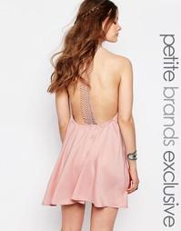 Платье с кружевной спинкой‑борцовкой Glamorous Petite - Розовый