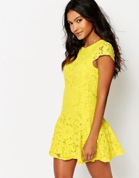 Кружевное короткое приталенное платье Boohoo - Желтый