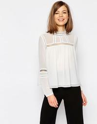 Блузка с высокой горловиной и кружевной вставкой ASOS - Белый