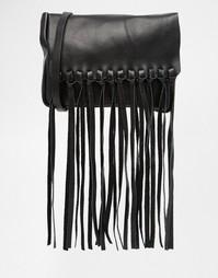 Кожаная сумка через плечо с клапаном и кисточкой ASOS - Черный