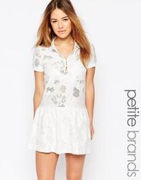 Платье-рубашка в стиле поло с заниженной кромкой Vero Moda Petite ж