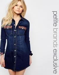 Джинсовое платье‑рубашка мини с вышивкой Liquor & Poker Petite - Синий