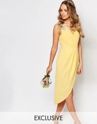 Платье миди с запахом и отделкой TFNC WEDDING - Пастельно-желтый