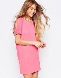 Цельнокройное платье с кружевом на рукавах Liquorish - Розовый
