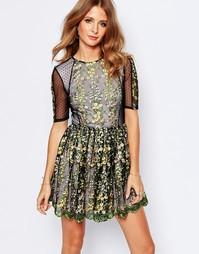 Платье с декоративной отделкой и полупрозрачными вставками Millie Mack