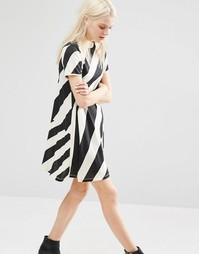 Свободное платье в полоску с высокой горловиной Cheap Monday