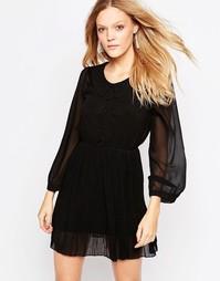 Короткое приталенное платье с воротником QED London - Черный